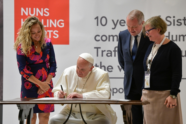 Pope Francis launches the exhibition for the 10 years of Talitha Kum